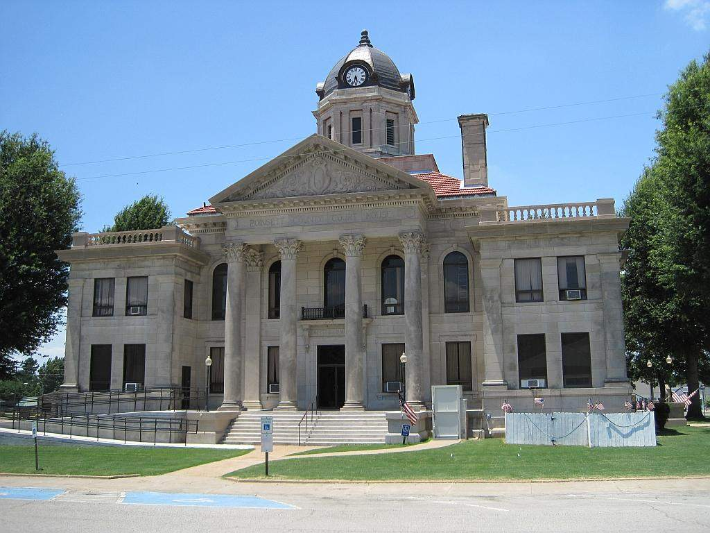 Harrisburg_AR_downtown_016-poinsett-county-courthouse